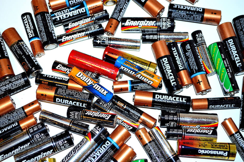 How To Dispose Of Batteries The Only Guide You Need Image - AGR