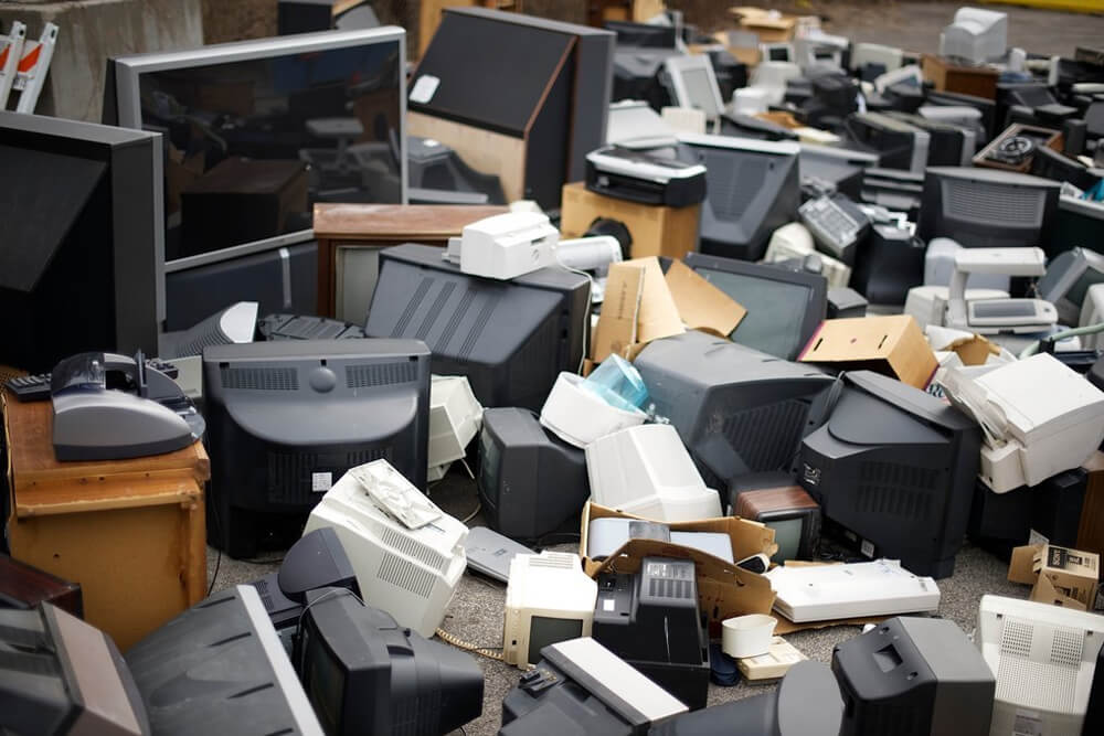 Dispose Of Old Computers Right Way And Wrong Way - AGR