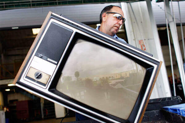 In-Store Television Recycling Image - AGR