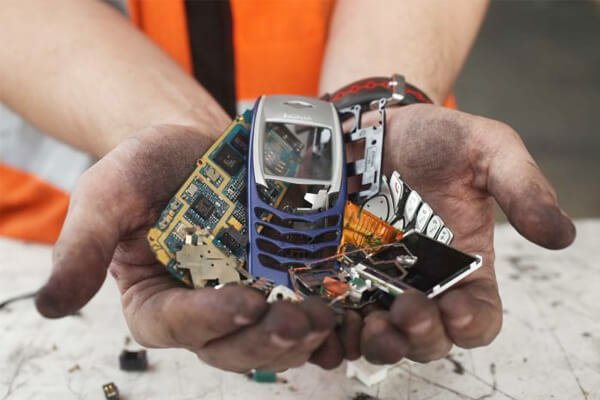 Reasons to Recycle Electronic Gadgets Image - AGR